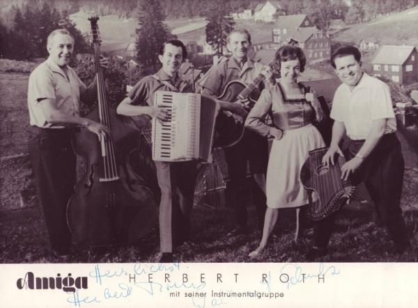 Herbert Roth mit seiner Instrumentalgruppe / Foto: Amiga, Herbert Roth, Gasthaus Werratal